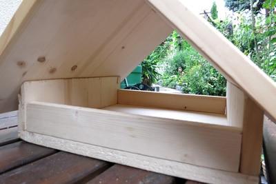 Seitenwände und Dach verbinden