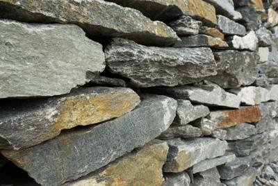 Mauer Naturstein Trockenmauer