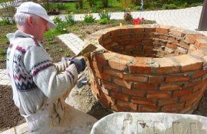 Gartenbrunnen bauen