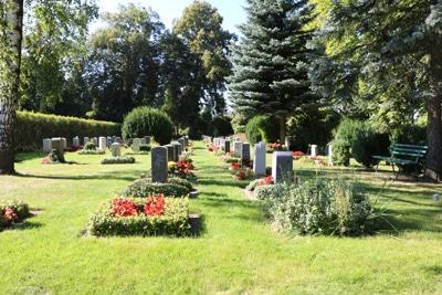 Fabelhaft Grabbepflanzung für Frühling, Sommer und Herbst - Gartendialog.de #SI_48