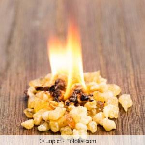 Weihrauch brennend