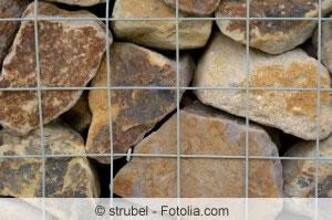 Gabionenkorb mit Steinen