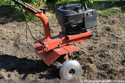 verdichteten Boden auflockern - motorisierte Geräte